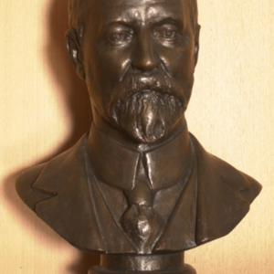 Photograph, bust of Alfred Deakin