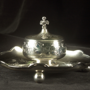 Inkstand and pen